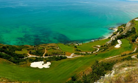 Thratian_cliffs_golf_course