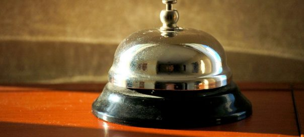 hotel-bell-photo-Marcelo-Gerpe-freeimages-com-crop-604x272