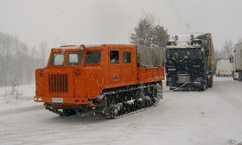 Dragging_truck_winter_001